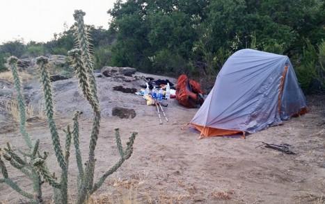 Tent_Camp_Setup