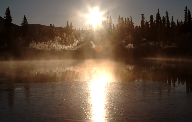 sun_and_fog_off_water