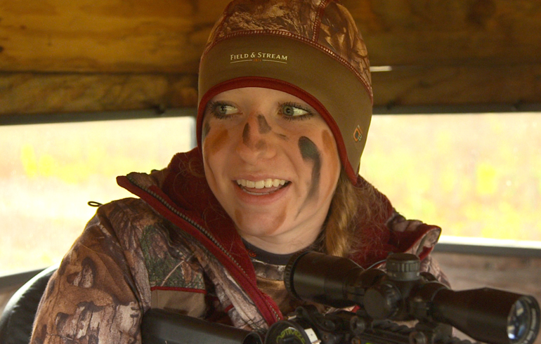 Kelly_with_Crossbow_in_blind