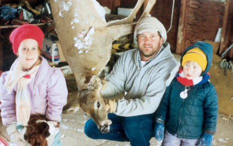 dad_and_brother_with_doe_whNRIUT