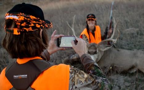 melissa_mule_deer_getting_pic_taken
